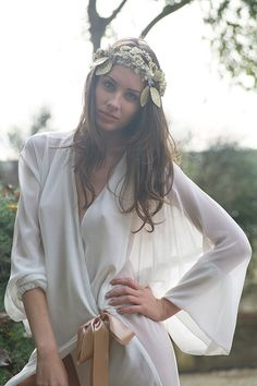 Modelo con lencería de seda de Pol Nuñez #Lenceria #brides #modamujer