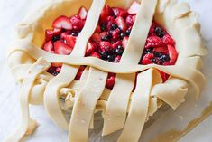 Triple Berry Pie Recipe DIY Projects Craft Ideas & How To's for Home Decor with Videos Fruit Recipes, Pie Recipes, Dessert Recipes, Triple Berry Pie, How To Make Everything, Best Pie, Great Desserts, Berries, Diy Projects