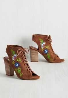 Truth of the Chatter Heel. Pay attention to any gossip you may hear about these suede peep toes - its all true! #brown #modcloth