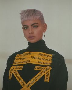 It's a texture wonderland, with leather, vinyl and studded pieces back for Fall 2018 season. Old meets new for this fashion editorial. Pixie Hairstyles, Pixie Haircut, Cool Hairstyles, Haircuts, Edgy Natural Hair, Natural Hair Styles, Short Hair Cuts, Short Hair Styles, Aw18 Fashion