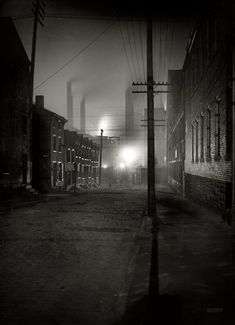 "Pittsburgh, Pennsylvania, circa 1907. ""A Mill Street."" Fifty Shades of Black. 7x5 inch glass negative, Detroit Publishing Company."