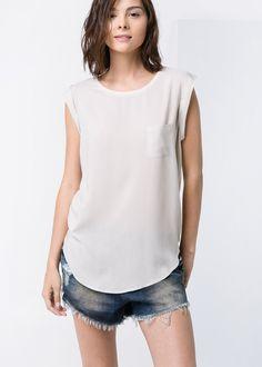 Koszulka z lejącej tkaniny z teksturą - Mango