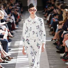 #MFW || #MaxMara #SS18 | #MaxMaraSS18 #FashionWeek #Spring2018 | #MCsfilate  via MARIE CLAIRE ITALIA MAGAZINE OFFICIAL INSTAGRAM - Celebrity  Fashion  Haute Couture  Advertising  Culture  Beauty  Editorial Photography  Magazine Covers  Supermodels  Runway Models