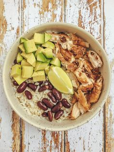 5 ides de recettes rapides saines et savoureuses 10 quick easy meal prep bowl ideas to get you out of your meal prep rut! these simple and healthy recipes are all paleo and compliant! here s to clean eating! Clean Eating Meal Plan, Keto Meal Plan, Diet Meal Plans, Clean Eating Recipes, Eating Schedule, Healthy Chicken Recipes, Diet Recipes, Vegetarian Recipes, Kfc Bowls Recipe