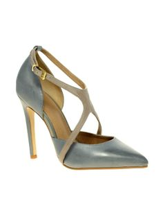 ca15d70d1ba In black and white they d be perfect! Pretty Shoes