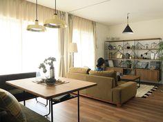 家具の配置で、居心地の良さが変わる!リビング・ダイニング...|Re:CENO Mag Dining Room, Dining Table, Conference Room, Furniture, Home Decor, Interiors, Decoration Home, Room Decor, Dinner Table