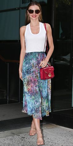 Miranda Kerr in Topshop skirt