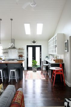 i like this home office area next to kitchen door