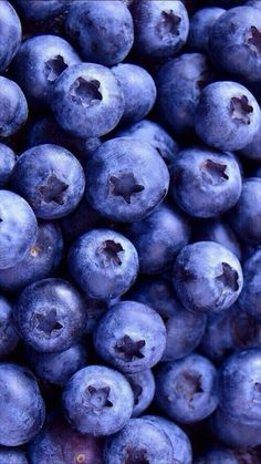 Image about food in Wallpaper by Maria on We Heart It Great pretty wallpapers wallpaper, berries, and blueberry image