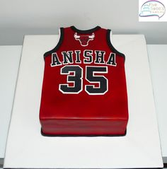Chicago Bulls Singlet Cake For A Basketball Lover Dragana Pahulu Hubbys 30th Birthday Pinspiration