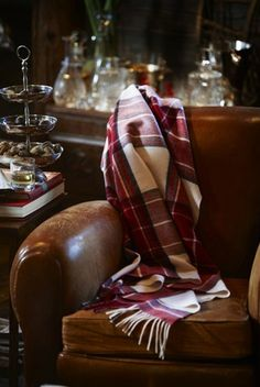 Leather chair and tartan scarf. English Country Manor, English House, English Style, Town And Country, Country Life, Country Living, Sweet Home, English Decor, Banquette