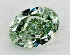 0.23ct Fancy Intense GREEN SI1 GIA. For more details and other options visit vmkdiamonds.com #vmkdiamonds #fancycolordiamond #rarediamond #greendiamond #greendiamondring #hautejoaillerie #hautecouture #followforfollow #f4f
