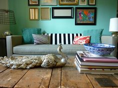 Wall color and mix n match décor colors