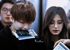 #taetzu #taehyung #tzuyu #bangtwice #bts #twice #taehyung_tzuyu Kpop Couples, Cute Couples, Bts Twice, Relationship Goals, Relationships, Bts Edits, Sooyoung, Just For Fun, Taehyung