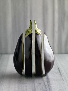 An aubergine photographed by Gokce Erenmemisoglu.