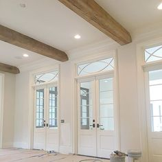It's all in the transoms..and beams @mikesullivanarch #brwhitehouse #picoftheday #bestoftheday #photooftheday #instadaily #instagood #instahome #custom #batonrouge #design #build #architecture #interior #interiordesign #house #home #construction #scheffyconstruction