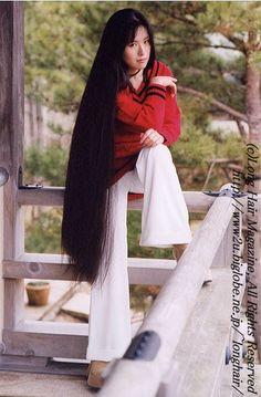 Nice one, need to see a hairdresser 4 a cut Long Dark Hair, Medium Long Hair, Super Long Hair, Epic Hair, Amazing Hair, Long Hair Models, Glossy Hair, Rapunzel Hair, Harley Davidson
