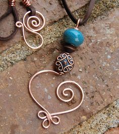 on Etsy Copper Jewelry, Wire Jewelry, Jewelry Crafts, Jewelry Art, Beaded Jewelry, Jewelery, Jewelry Design, Art Du Fil, Bijoux Fil Aluminium
