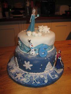 A very impressive Frozen cake by Hue Lu!