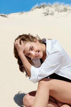 Barbara Palvin for di Gioia Perfumes by Giorgio Armani Img Models, Barbara Palvin, Giorgio Armani Perfume, Victoria's Secret, Armani Beauty, Most Beautiful Faces, Beautiful Models, Military Women, Beach Portraits