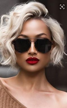 Our Favorite Hairstyles for Fall, short, medium and Long. - Informations About Our Favorite Hairstyles for Fall, short, medium and Long. Pin You can easily use - Layered Haircuts For Women, Short Hair Cuts For Women, Cut Her Hair, Short Hairstyles For Women, Popular Hairstyles, Fall Hairstyles, Short Haircuts, Haircut Short, Fashion Hairstyles