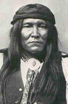 Chatto (ca. - Chiricahua Apache war chief - Protege of Cochise. Native American Warrior, Native American Photos, Native American Tribes, Native American History, American Indians, American Symbols, American Women, Sioux, Sitting Bull