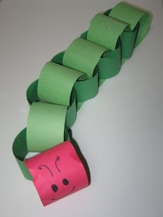 the very hungry caterpillar craft idea Very Hungry Caterpillar Printables, Hungry Caterpillar Activities, Hungry Caterpillar Party, Caterpillar Art, Crafts For Kids, Arts And Crafts, Preschool Projects, Preschool Art, Paper Chains