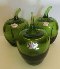 VINTAGE RAINBOW CO HAND BLOWN GREEN GLASS APPLES WITH ORIGINAL LABEL PAPERWEIGHT #Rainbow