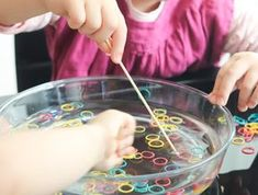 Fine motor skills with elastics – Fine motor skills with elastics – motor Fine motor skills with elastics – Related posts:Aufkleber Linien: Feinmotorik - Preschool activitiesHammering and Smashing Cereal Fine Motor. Indoor Activities For Toddlers, Toddler Learning Activities, Montessori Activities, Infant Activities, Toddler Preschool, Educational Activities, Motor Skills Activities, Fine Motor Skills, Rubber Bands