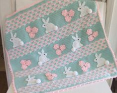 A crochet pattern for an adorable bunny baby blanket. Pattern pack includes instructions for both versions - a girl bunny blanket and a boy bunny blan. Cool Crochet Blanket, Baby Afghan Crochet, Manta Crochet, Baby Afghans, Crochet Bunny, Crochet Blanket Patterns, Baby Patterns, Bunny Blanket, Baby Bunnies