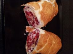 Rasberry Roulade - half a syn for the whole cake Slimming World Cake, Slimming World Desserts, Slimming World Recipes Syn Free, Slimmers World Recipes, Sliming World, Slimming Eats, Free Fruit, Caking It Up, Cake