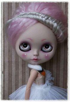Custom Blythe Doll in a Bjork swan dress.Etsy.