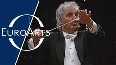 From the Cologne Philharmonic Hall On the occasion of the MusikTriennale Köln, 1997 Chicago Symphony Orchestra Daniel Barenboim - conductor