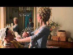 Siete curiosi di sapere la verità sulla regina Maria Antonietta? Non perdetevi i suoi segreti di bellezza, i suoi abiti sfarzosi e i suoi grandi amori!