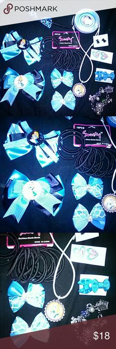 Disney's alice in wonderland bow and slime lot U get it all!!! 2 bottle cap bows 1 set small bows 1 package of hair bands 1/stretchy head band 1 BC bow 2 sets of bow earrings 1 set of heart earrings 1 charm bracelet 1 1.5 oz blue slime  This is not a Disney brand just made something from na Disney movie Disney Accessories