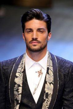 You're My Mine... - الشخصيات - Wattpad Hot Mexican Men, Cute Mexican Boys, Milan Men's Fashion Week, Mens Fashion Week, Trending Hairstyles For Men, Male Model Names, Latin Men, Photo Poses For Boy, Gq Men