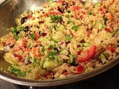 Ensalada de quinoa - comida peruana - nutritiva - Peruvian quinoa salad - made with high nutrition ingredients - recipe in english - peruvian food