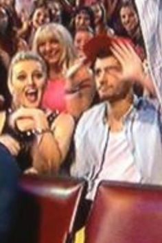 "ZERRIE'S REACTION TO HARRY TWERKING. Perries surprised and Zayns like ""I am not in the same band as him"""