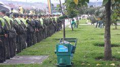 7-04-2014 Jornada de aseo en el parque Tercer Milenio.