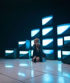 Sabrina Carpenter // Alien Music Video behind the senses March 2018