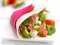 Wrap watermeloen, avocado en Italiaanse ham