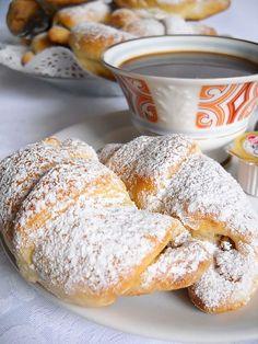 Cornuri Vanilate | Retete Culinare - Bucataresele Vesele