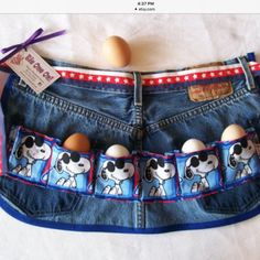 You,too, could be Joe Cool as you gather your eggs. This and more gathering aprons just posted. Diy Sewing Projects, Sewing Hacks, Egg Collecting Apron, Apron Pattern Free, Tool Apron, Teacher Apron, Farm Quilt, Chicken Crafts, Gardening Apron