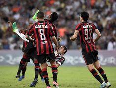 Blog Esportivo do Suíço:  Flu e Atlético-PR empatam em 1 a 1 com gols no 1º tempo