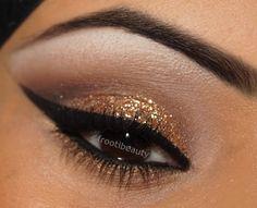 gold glittery makeup look #glitter #goldmakeup