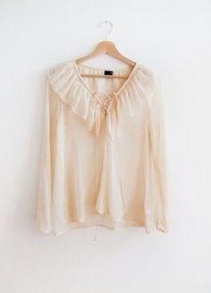 Kup mój przedmiot na #vintedpl http://www.vinted.pl/damska-odziez/koszule/14647760-gina-tricot-wiazanie-blogerska-koszula-tumblr-mgielka-falbana-brzoskwiniowa-pastele-minimalizm-basic