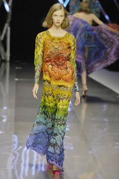 Stunning print on a dress from Alexander Mcqueen Spring/Summer 2008 collection.