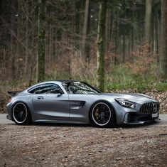 Mercedes Benz – One Stop Classic Car News & Tips Mercedes Benz Amg, Carros Mercedes Benz, Mercedes Benz Autos, Mercedes Car, Benz Car, Bugatti, Maserati, Bmw Autos, Luxury Boat