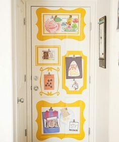 Kinderbilder aufhängen Tür