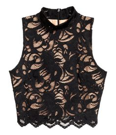 Discover a range of women's tops at H&M. From casual tees and crop tops to off-the-shoulder and going-out tops, shop online for every look. Designer Kurtis, African Wear, African Dress, Stylish Blouse Design, Black Lace Tops, Cute Casual Outfits, Alternative Fashion, Short Tops, Blouse Designs